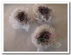 Satijn roos voor corsage Wit/Zwart Satijn roos