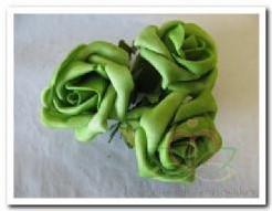 foam roos 5, 5 cm. / 3 stuks. Groen op=op foam roos 5, 5 c