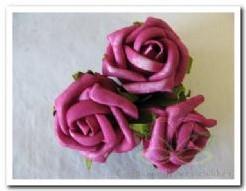 foam roos 5, 5 cm. / 3 stuks. Aubergine op=op foam roos 5, 5 c