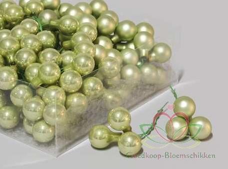 Balletjes op draad 2 cm. Mist Green Combi doos 144 stuks Kerstballen 2 cm.
