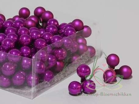 Balletjes op draad 2 cm. Cyclamen Combi doos 144 stuks Kerstballen 2 cm.
