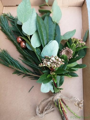 KerstToef klein met Pinus en balletjes door de brievenbus Een groet die iets doet