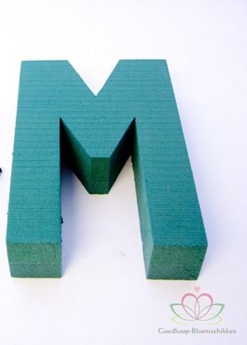 Letter M van Steekschuim 30 x 20 cm