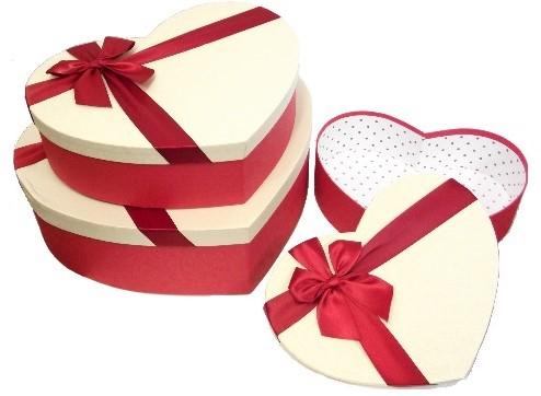 Set van 3 hartvormige Bloemendozen hartdoos   3 hartvormige dozen