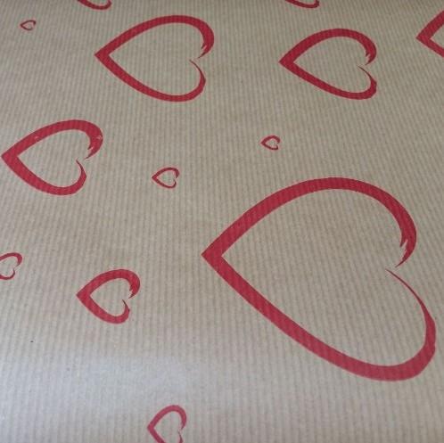 Bloemenpapier KRAFTPAPIER ROL 50cm. X 3kg Rode hartjes cadeaupapier