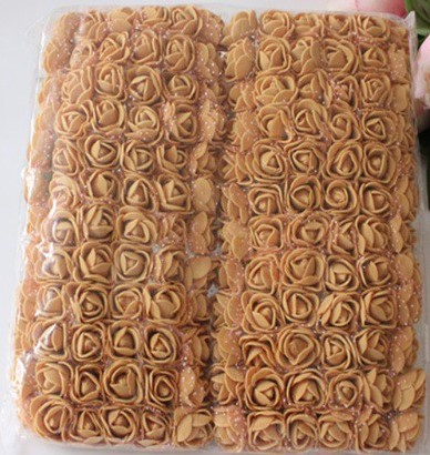 Actie Mini foamrose met tule Camel BULK pak 144 st 2 cm.