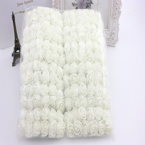 Actie Mini foamrose met tule ROOMwit BULK pak 144 st 2 cm.