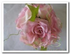 bloemenbal Pomander RoseBall lichtrose nr 2 bloemenbal Pomander RoseB