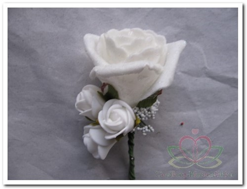 Corsage Roos WITWIT CEM8 Corsage Roos CEM8