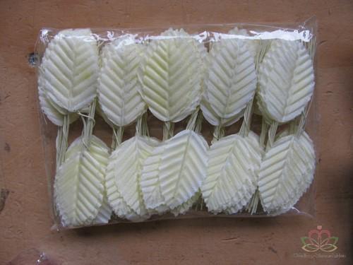 Blad zijde blaadjes op draad BIG- PAK200 CREME 3*5cm. Blad zijde blaad