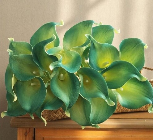 Calla Real Touch Green Blue +/- 7 cm. en 37cm lang. / st Calla Real Touch +/- 7 cm.
