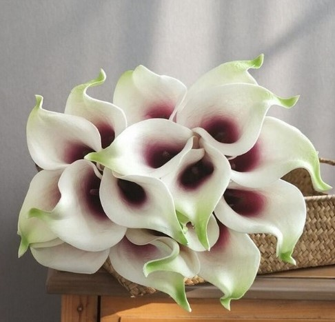 Calla Real Touch White purple green +-7 cm. en 37cm lang. / st Calla Real Touch +/- 7 cm.