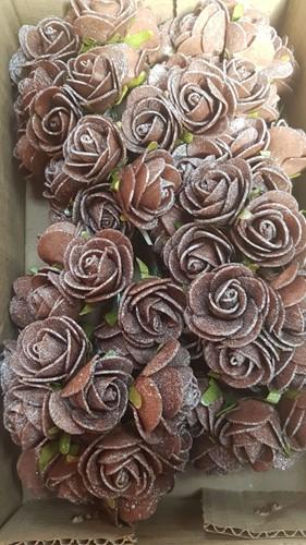 MINI foamroos Emilia 3 cm. antique Chocolate doos 84 new foam roos Emilia