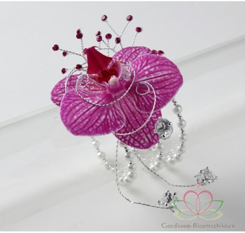 Corsage Pols- Arm-Been corsage Eye Candy Pearl White Polscorsage