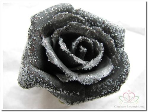 foam Rose Emilia 6cm. snow Black BUNDEL7 Bundel 7 stuks