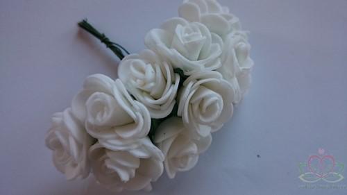 Mini foam roos 2, 5 cm. Wit +/- 12t BUNDEL Mini foam roos