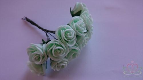 Mini foam roos 2, 5 cm. MintGroen +/- 144st zak Mini foam roos