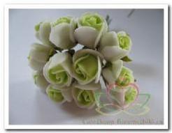 Mini foam roos 2 cm. Groen /creme per bundel p Mini foam roos