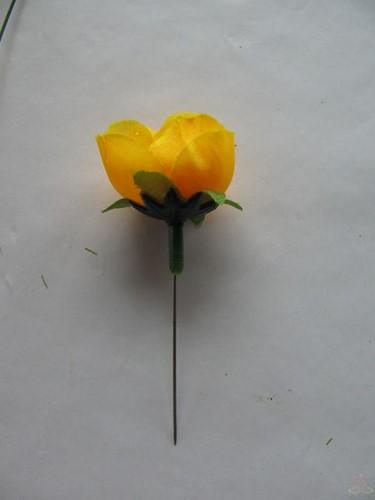 Roosjes 3 cm. zijde Geel voor corsage of zeep +/- 20 stuks Roos zijdebloem