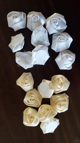 Satijnroos voor broche bruidsboeket 3, 5-4cm. +/-10 stuk - creme foam roos