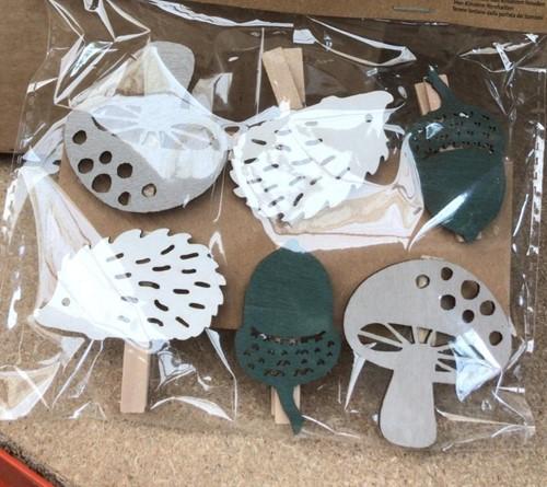 Houten Egels, Paddenstoel en Eikels op clip 6 st Houten figuurtjes +/- 16cm