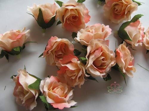 Roosjes 3 cm. Zijde Best Quality ZalmOudRoze TRIcolor10 st Roos zijdebloem